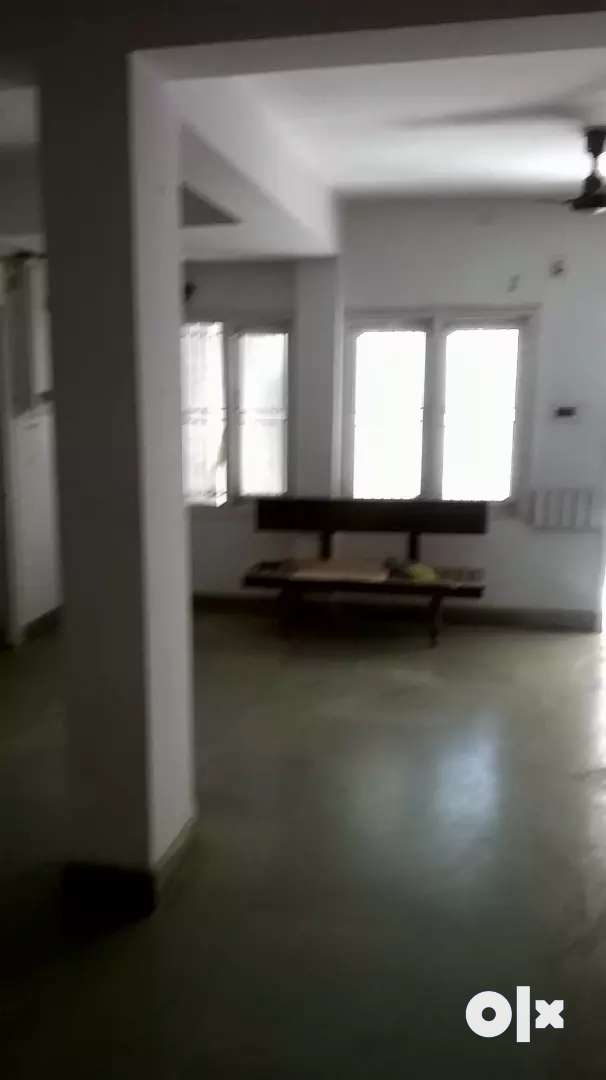 Fast floor commercial shop for rent 0