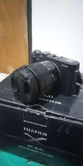 FUJIFILM X-M1 + Lensa kit