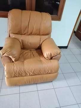 Sofa single recliner kulit asli/ rebahan / sofa bed