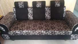 The sofa set with chair