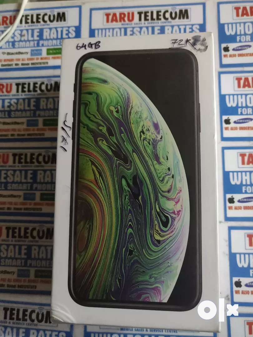 iPhone XS 64GB space grey activated seal pack 0