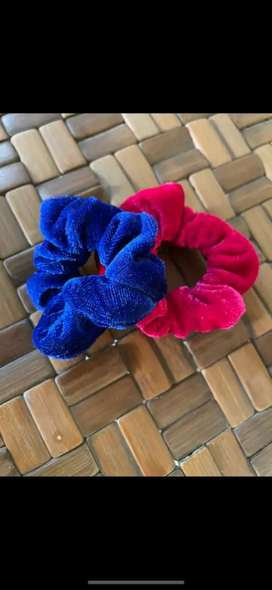 Scrunchy bands hairbands and hairclips in combo pack!!