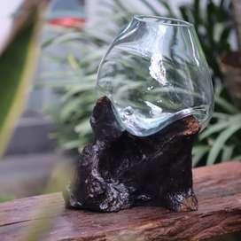 glass on wood aquarium hias