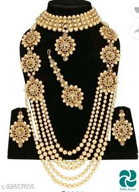 Fancy jewellery sets
