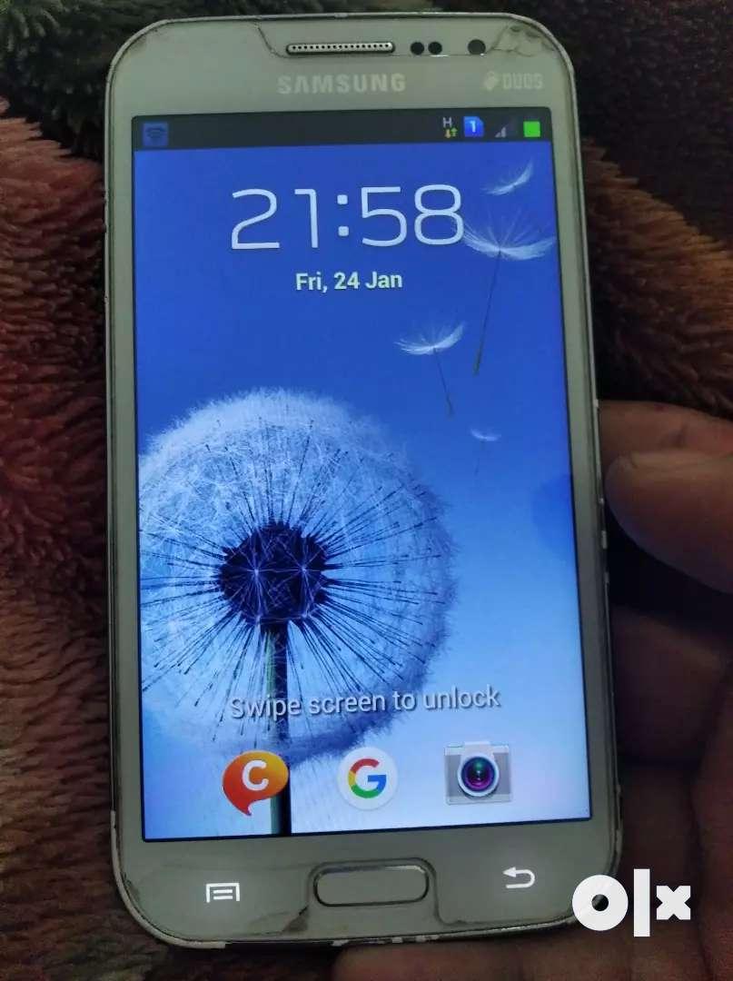 Samsung galaxy grand duos Quattro in excellent condition 0