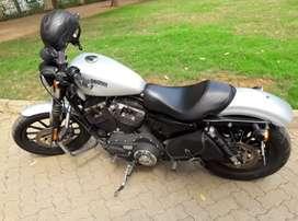 Harley Davidson Iron 883- Silver