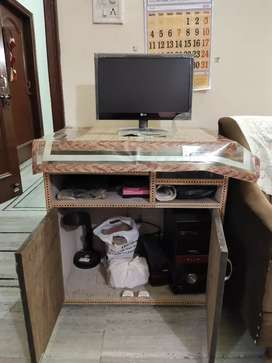 Computer table with computer