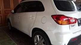 outlander 2012 warna putih