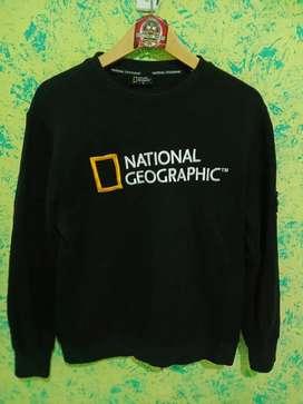 Crewneck national geographic not uniqlo
