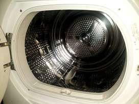 mesin pengering pakaian