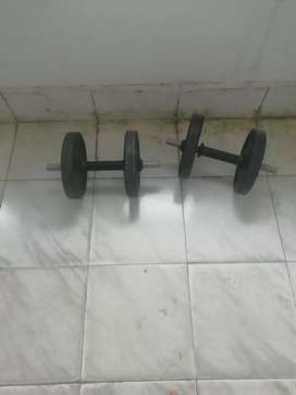 5kg dumble set available for sale, 1 year old