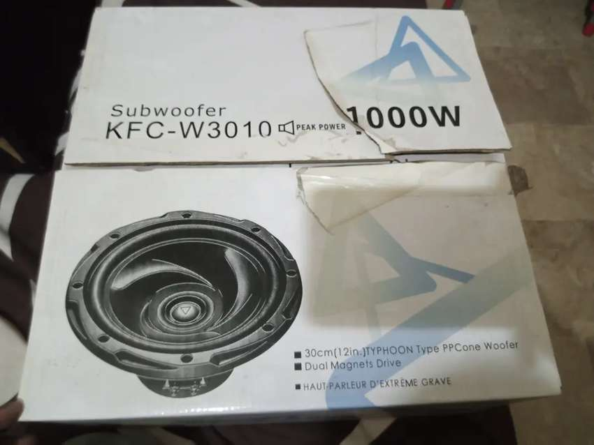 Kenwood Woofer , roadstar amplifier 0