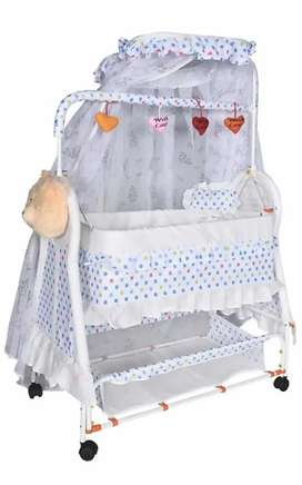 Cradle with mosquito net for kids