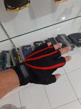 Sarung Tangan Gym. Aksesoris Fitness Palembang.