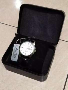 Dijual: Jam tangan analog Alba model AXND63 original