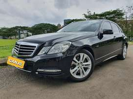 E250 CGI Avantgarde 2012 Black on Black KM low