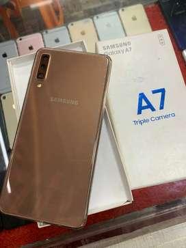 Samsung A7(4/64GB) Gold Color