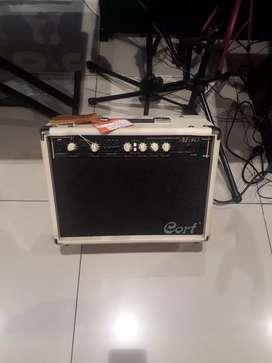 Cort acoustic gitar amp AR 30 bisa cas and credit