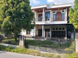Dijual Rumah Mewah lokasi dipinggir Jalan Raya Tengku Bey