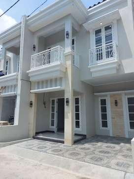 Rumah 2 lantai siap huni for sale jagakarsa