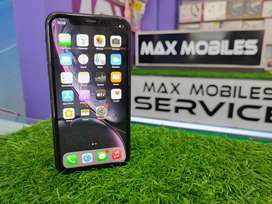 iPhone xr 64gb ( good condition )