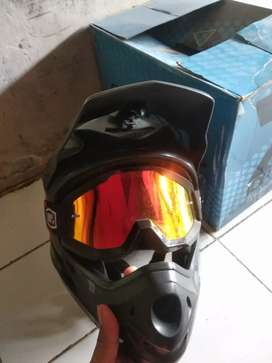 Helm downhill Seven Idp