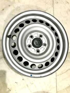 Maruti brezza original rims and wheel cap