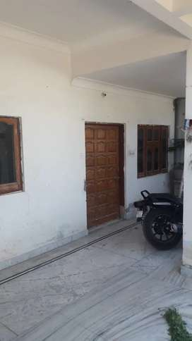Ground floor with 3 rooms, office room, kitchen and 2 washrooms