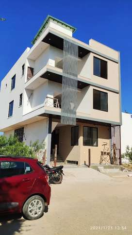Tolet services 4BHK for femaly and PG Girls only