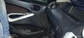 Ford Figo 2010 Petrol 75000 Km Driven