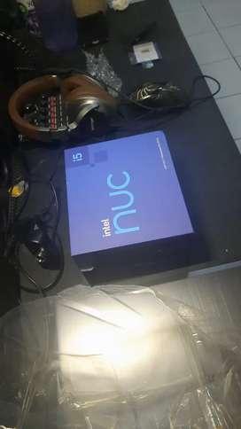 Intel Mini PC NUC 11PAHi5 Ram 8GB/ SSD m.2 NVME 256GB