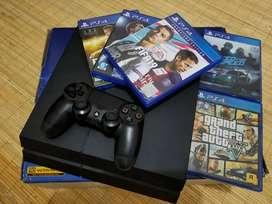 Play Station 4 atau PS4 Bonus Kaset