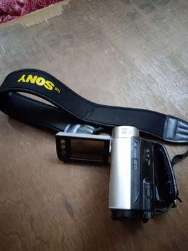 Video camera ,2battery,hadaptor, charger,bag,headcleaner hilogen