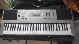 Piano keyboard Yamaha psr E353 for sale in chandigarh mohali kharar