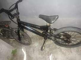 BMX untuk latihan anak bersepeda