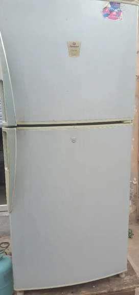 Fridge for sale good candtion Chip price