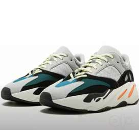 Adidas Yeezy 700 boost white & Grey . L. Condition new.