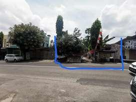 Disewakan Tanah jalan R.E. Martadinata, warung miri, Solo.