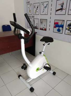 Alat fitness sepeda statis magnetik bike Fc 433B bc jik26a