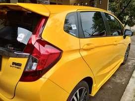 Dijual Honda  Jazz Rs S.E CVT thn 2019