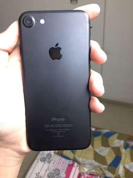Iphone 7(4 montsh warranty left)