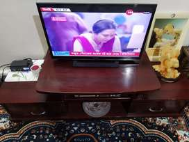 TV cabinet in excellent condition