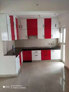 3bhk unfurnished flat available for rent