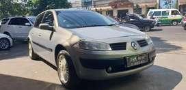 Renault megane II matic tahun 2005 kondisi barang bagus dan terawat