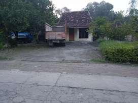 Disewakan tanah n bangunan rumah bisa utk gudang, rongsok, besi dll