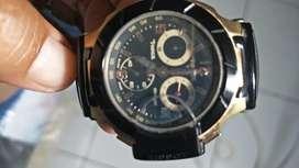 Jam tangan wanita merk Tissot warna hitam gold
