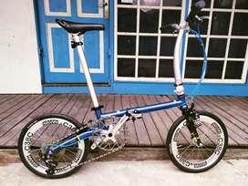 Sepeda lipat fnhon gust biru shfire