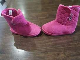 Kids winter shoes (girls)400 per pair