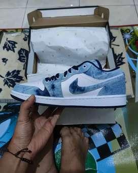 Nike Air Jordan 1 Low Washed Denim Authentic Original Size 44 Limited