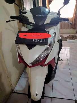 vario 150 white red